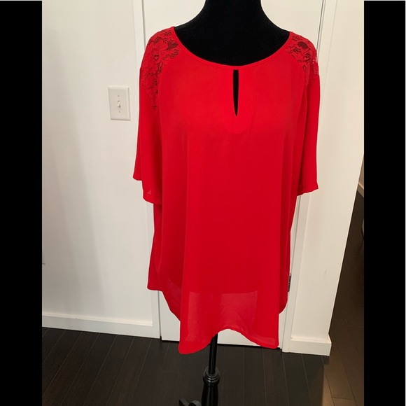 Red Keyhole Short Sleeve Top XXL